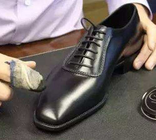 皮鞋保养清洗