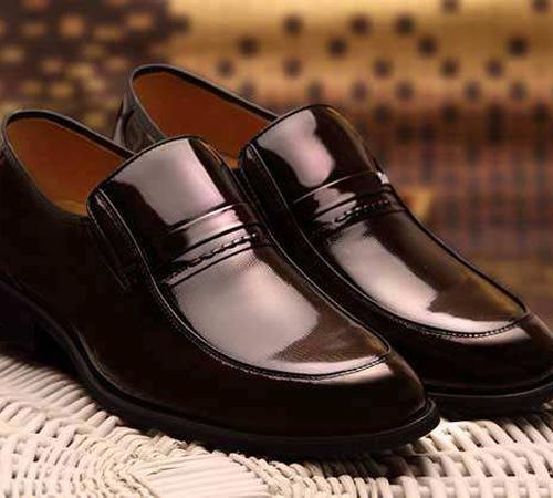 皮鞋清洗保养